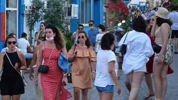 Tatilcilerle dolup taşan Bozcaada'da büyük tedirginlik!